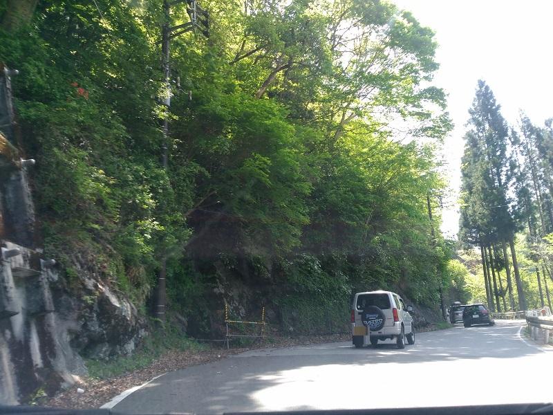 三峰神社への道2