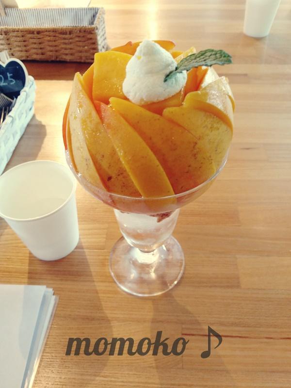 桃農家カフェラペスカの桃パフェ「黄金桃ジュエル」2