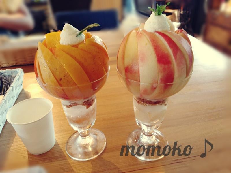 桃農家カフェラペスカの桃パフェ